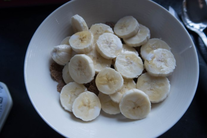 2018-01-10 BreakfastTesco Bran Flakes with chopped banana and chopped pear